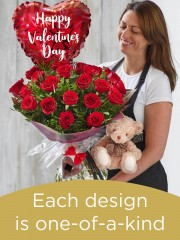 24 red rose hand-tied gift set
